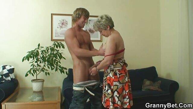 他喜欢看到她他妈的别人。 电枢自制的色情片